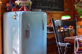 レトロな冷蔵庫